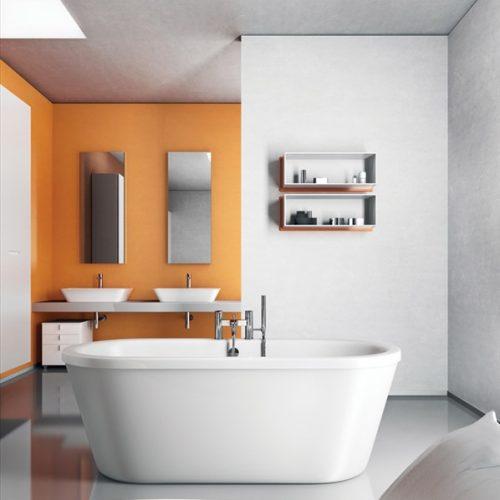 New Country Vrijstaand Bad in de moderne badkamer met een moderne badkraan