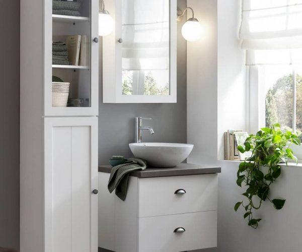 Houten badmeubel met waskom, betonblad en spiegelkast