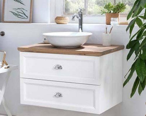 hangende toiletmeubel met eiken wastafelblad en witte waskom
