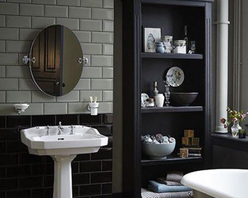 mooie klassieke wastafel in de badkamer