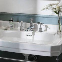 Bij de mooiste engelse badkamer hoort natuurlijk ook een engelse kraan
